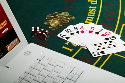 What are the different types of online casinos?